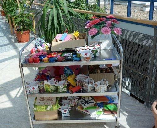 Geschenke für die Bewohner der Seniorenresidenz Niederweiler Hof